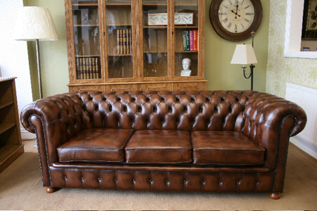 Chesterfield sofas the desk centre for Sofa bed 140cm wide
